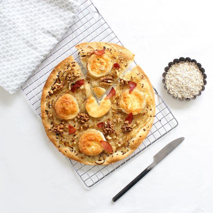 Recette de tarte aux oignons, chèvre et noix