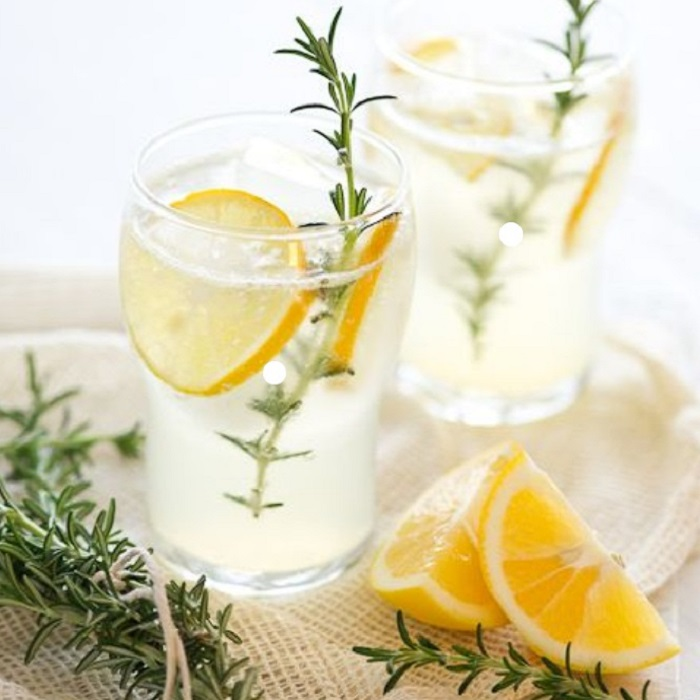 Eau parfumée au Thym, Romarin, Sarriette et Citron !