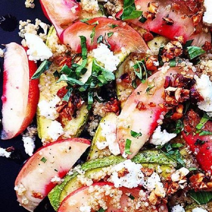 Salade de riz ou quinoa fruitée