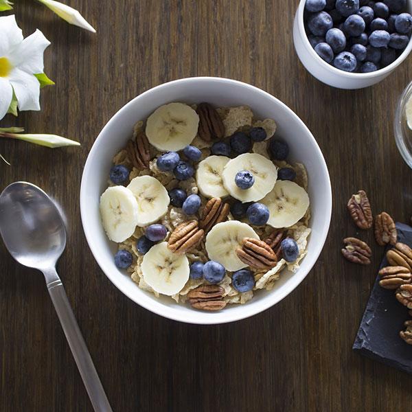Porridge Banane - Myrtilles - Noix de Pecan