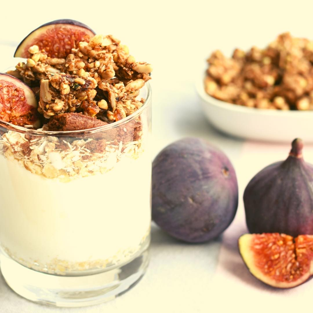 Yaourt parfait aux figues et granola