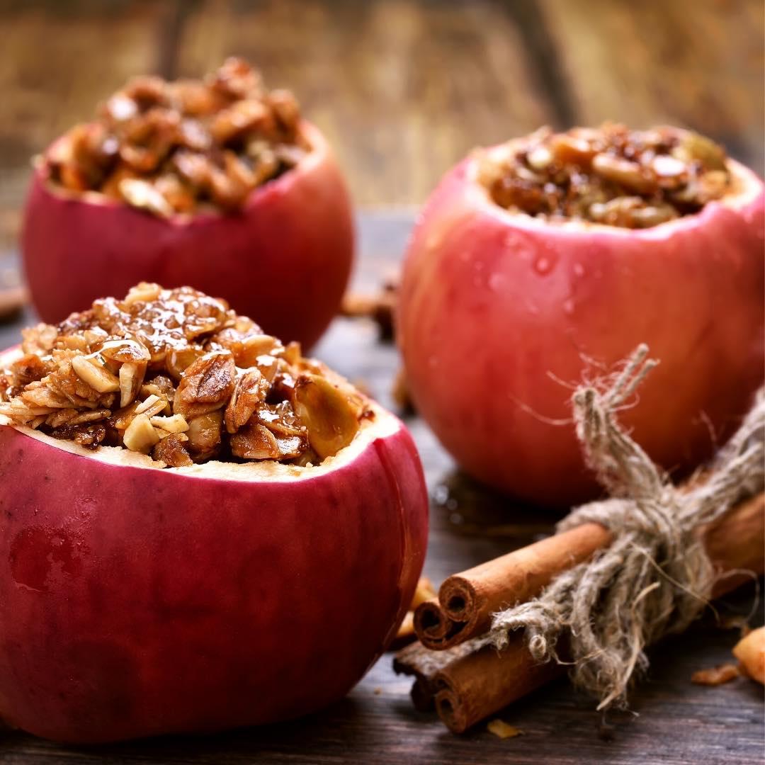 Pommes au four et aux fruits secs