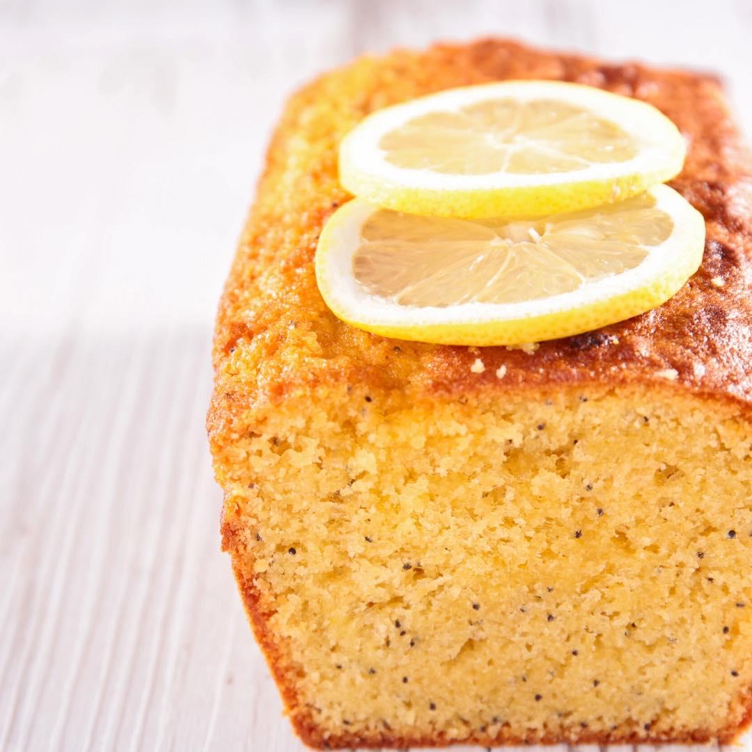 Cake au citron, graines de pavot et poudre d\'amande