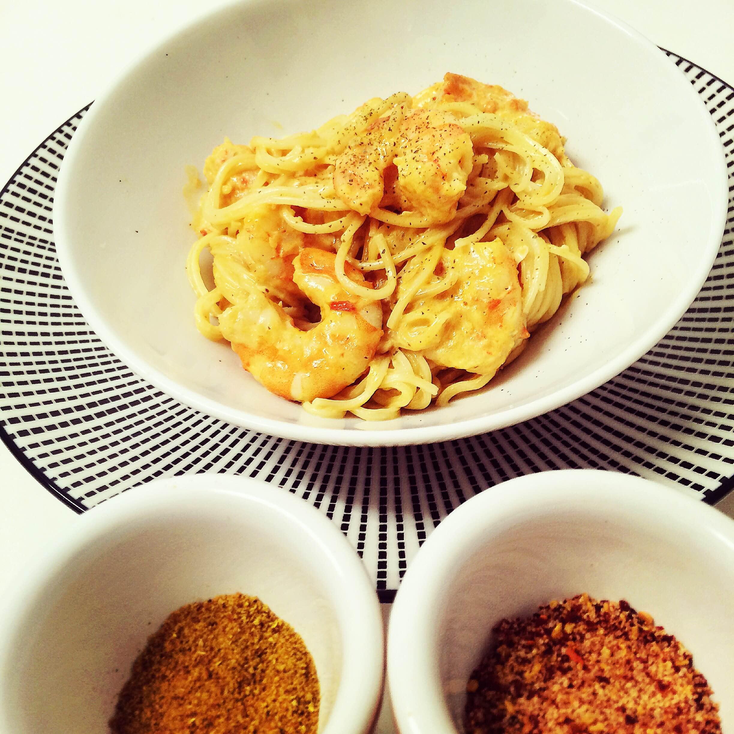 Crevettes sautées à l\'ail et au curry <br>