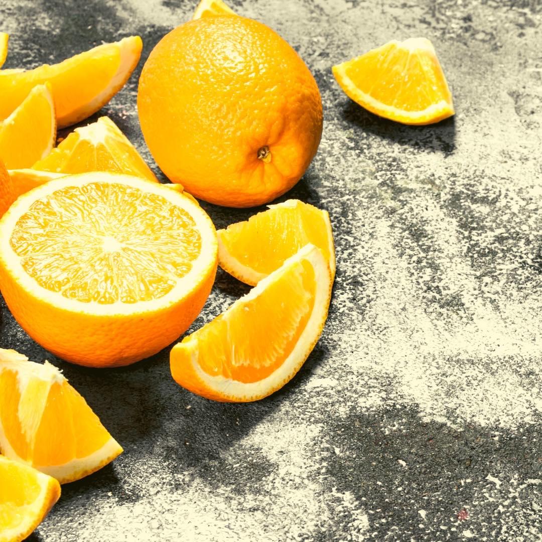 Salade d\'oranges au thé vert et aux dattes bio