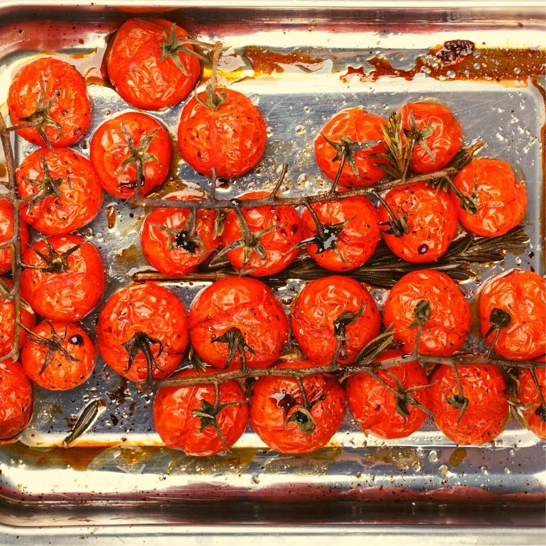 Tomates rôties, crumble de noix de cajou bio