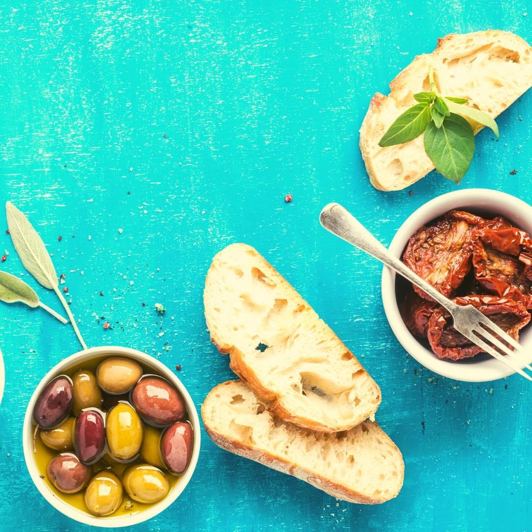 Fougasse aux tomates séchées bio et olives vertes