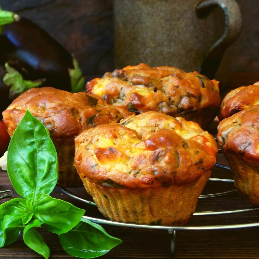Cake salé aux courgettes, olives et tomates séchées bio