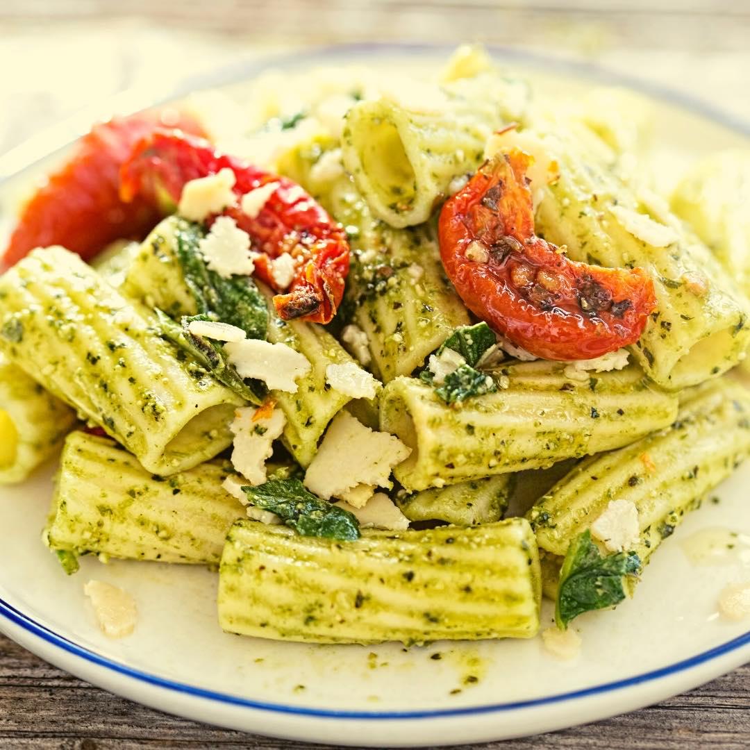 Pâtes au pesto et tomates séchées bio
