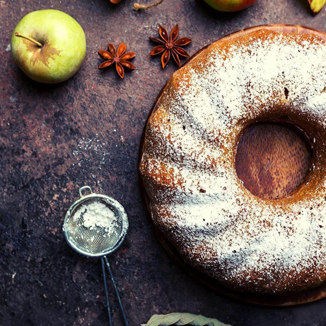Gâteau pommes et noix de macadamia bio