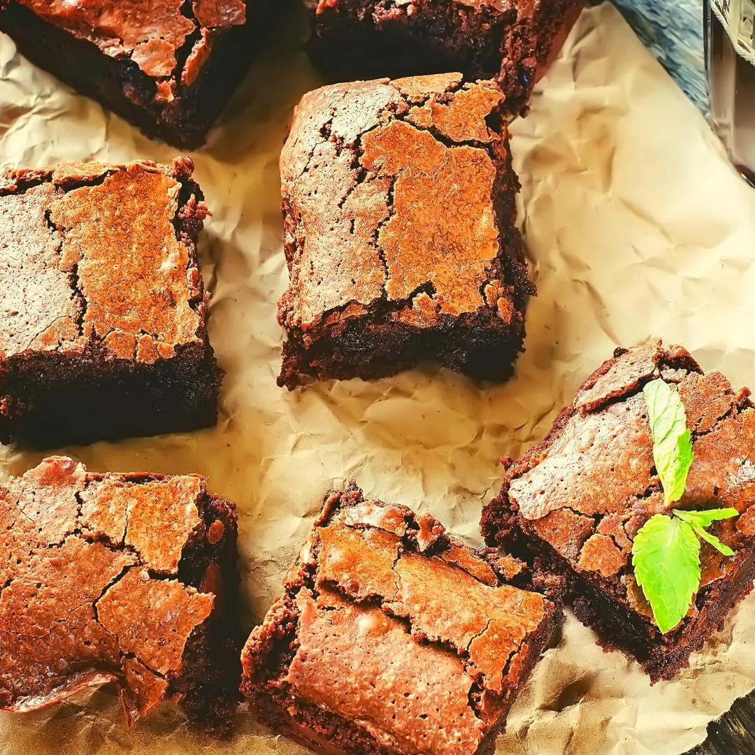 Brownies pralinés et pignons de pin bio