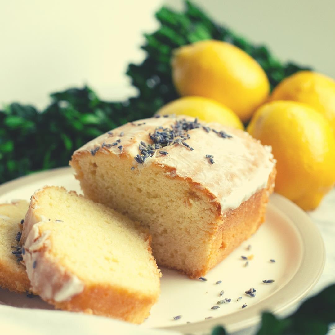 Gâteau moelleux au citron et sucre de coco bio